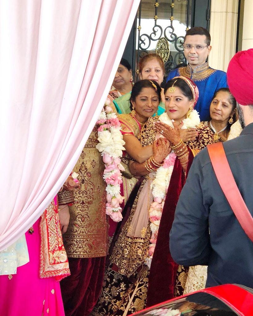 Kruti_Parikh_Milan_Thakkar_Wedding_Vidai_04
