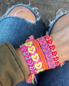 The Neon Tea Party Heart Friendship Bracelet DIY 02