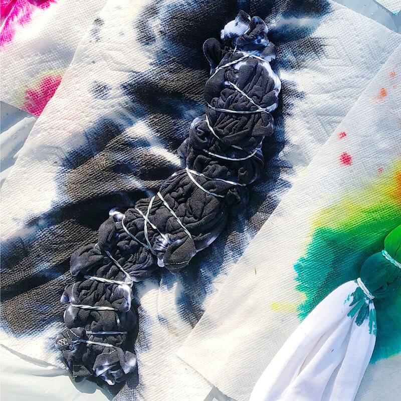 How to Tie Dye Scrunch Pattern