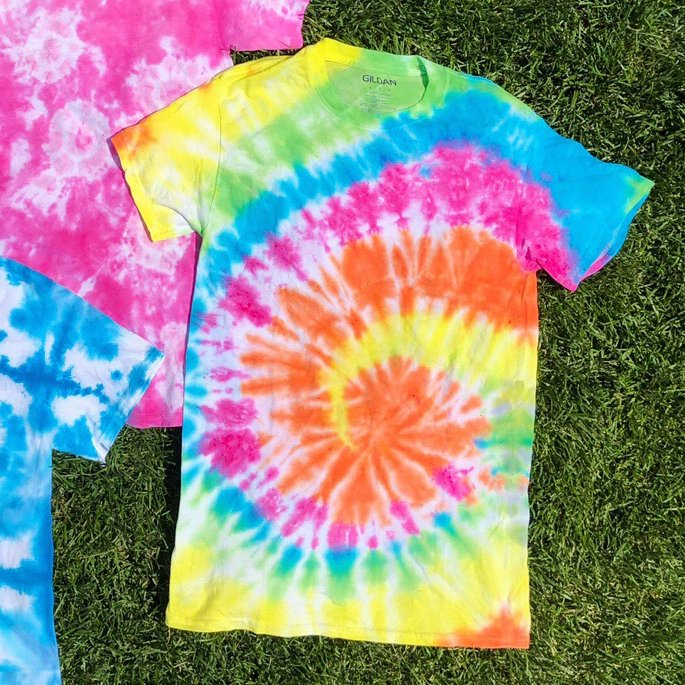 How to Tie Dye Swirl Pattern