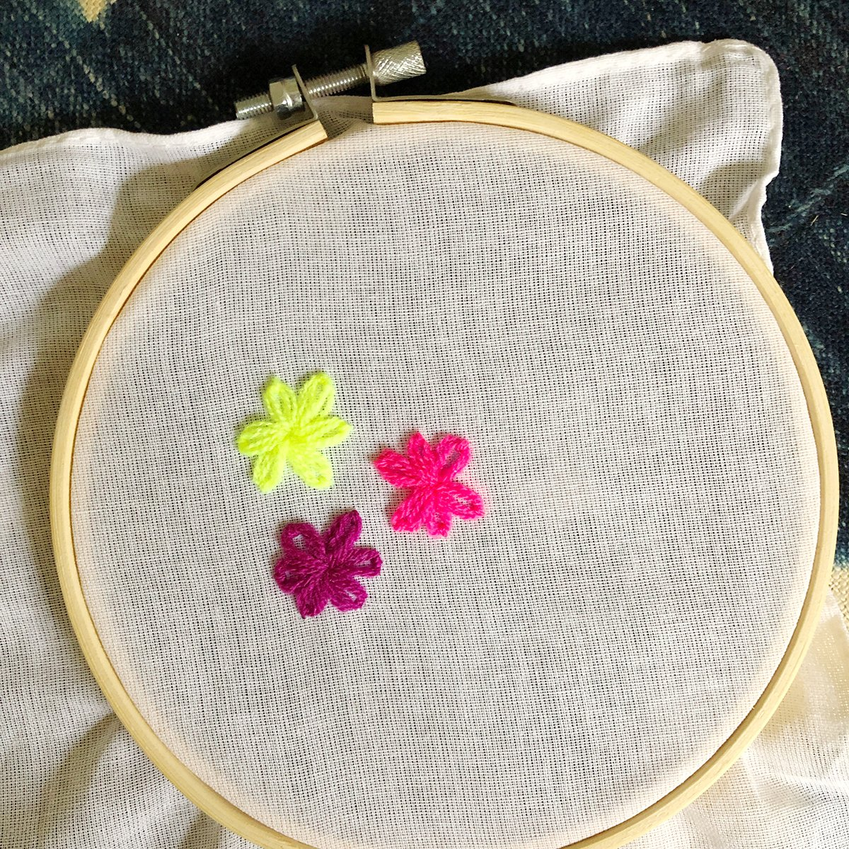 Embroidery-Lazy-Daisies-11