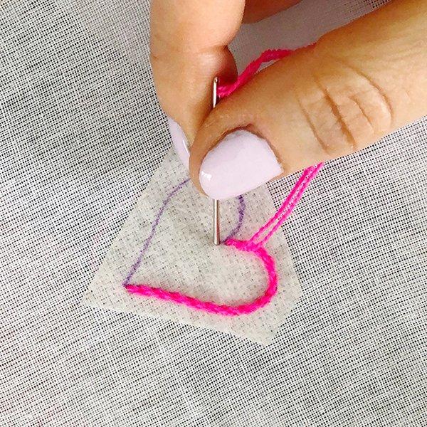 Tutorial-Embroidery-Stem Stitch-10-crop