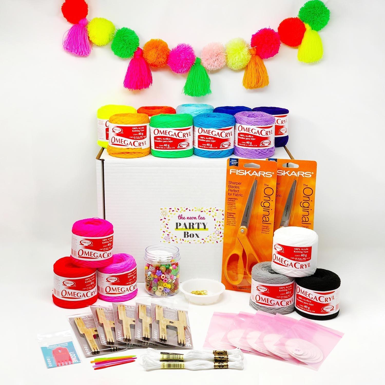 Party Box - Pom Tassel - Hero