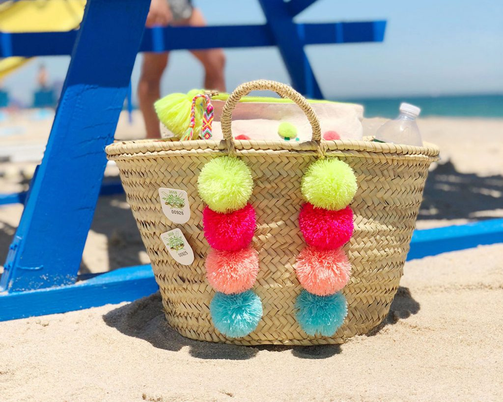 DIY Pom Pom Basket Neon Summer