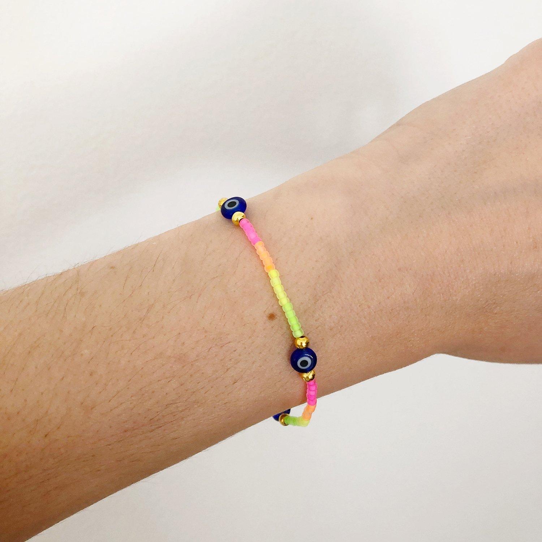 How to Make Stretch Jewelry - 9