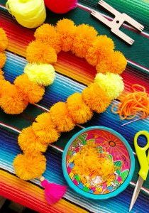 Cempasuchil_Pom_Pom_Garland_DIY_Artelexia_The_Neon_Tea_Party_28